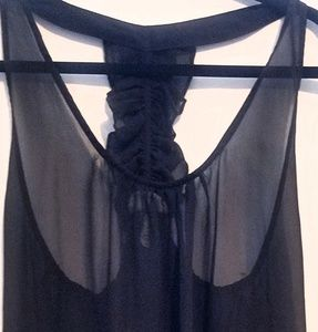 Tops - Sheer top without sleeve